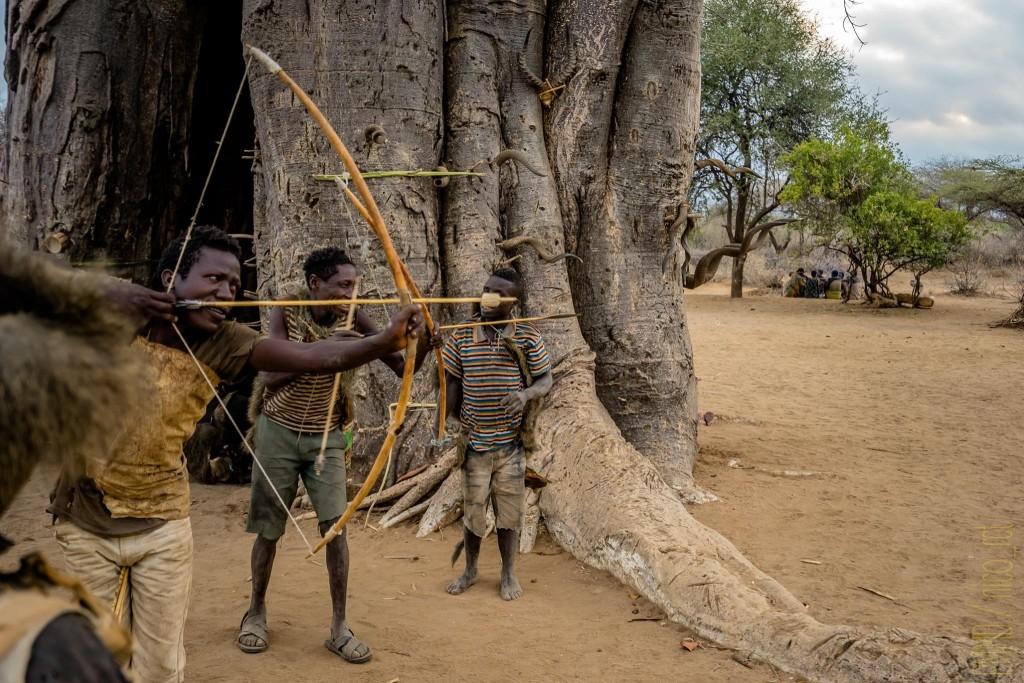 hadza-tribu-tanzanie