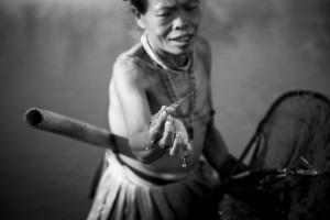 femme-mentawai-indigene
